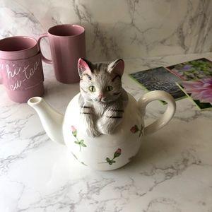 Other - Vintage Handpainted Kitten Teapot